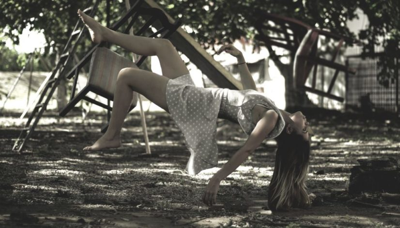 levitation-1884366_1280